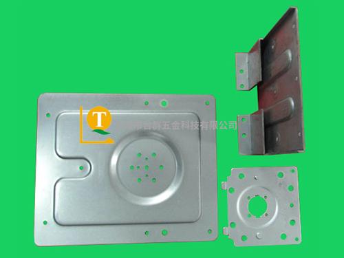 镀锌钢板五金模具_生产公司_供货商_服务商_台群五金塑料图片