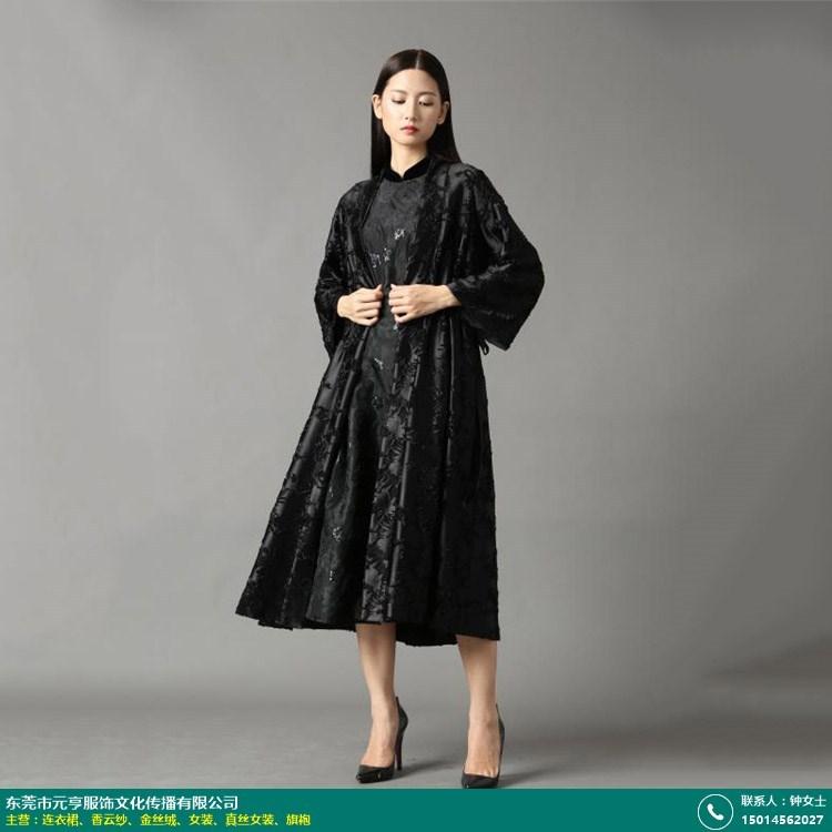 桑蚕丝连衣裙的图片